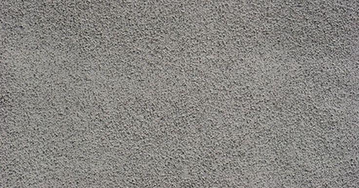 ¿Cuánto cuesta poner estuco sobre los ladrillos? . El estuco es un tipo muy versátil y duradero de material de revestimiento que está hecho de una combinación de agua, cal, cemento y arena. Ofrece un gran aislamiento térmico, es resistente al calor y puede ser instalado justo encima de un revestimiento existente como el ladrillo. A pesar de los muchos beneficios del revestimiento de estuco, éste ...