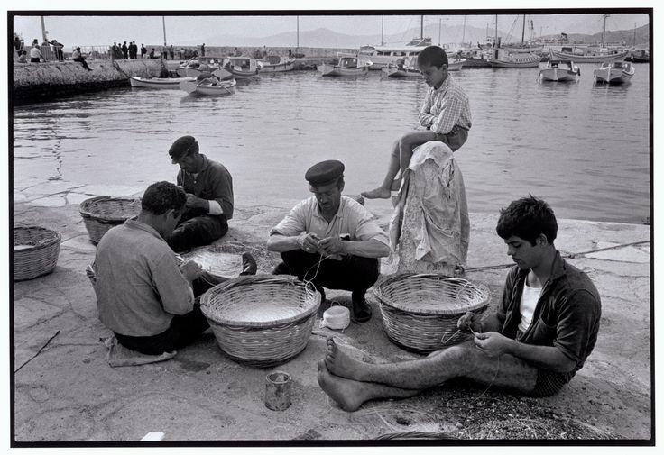 "Constantine Manos View profile Mykonos. 1967. Repairing fishnets. ""A Greek Portfolio"" p.42 © Costa Manos/Magnum Photos"