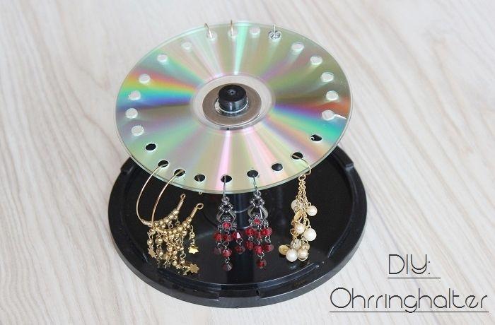 Upcycling für alte CDs: Ohrringhalter