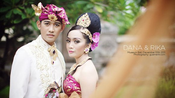 Rika & Pradana prewedding photoshoot Location: Museum Bali Date: December 10th, 2011