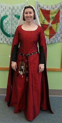 See Jane Sew: red silk brocade 14th century surcote