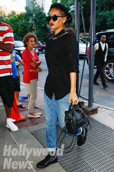 Rihanna Rakutenwoman Rihanna. RiRi #Rihanna, #Riri, #pinsland, https://apps.facebook.com/yangutu