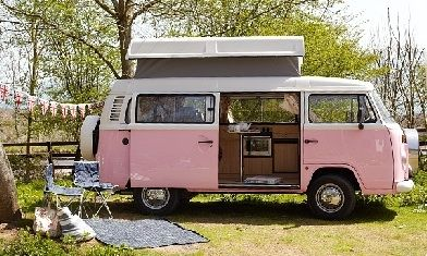 Campervan Hire The Isle of Wight. Choose from six retro classic vw campers and discover the island taking in Shanklin, Sandown, Ryde, Ventnor ,The Needles.