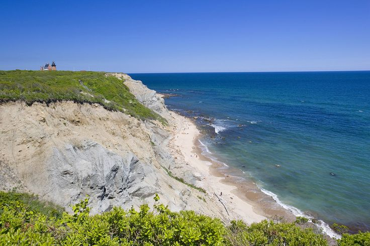 Not sure which seaside town to visit? Here are the 10 prettiest coastal towns in New England, from Down East harbors to Victorian island resorts.