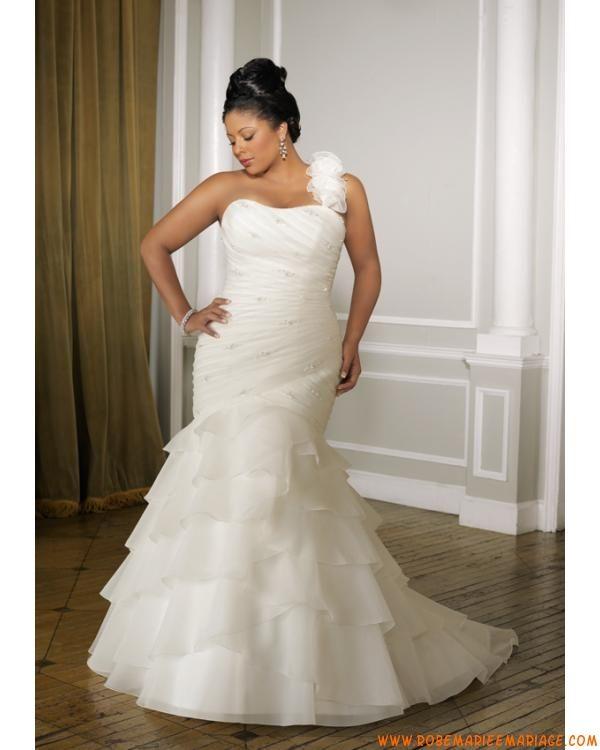 Robe sirène avec une bretelle détachable en satin et organdi décorée de plis et de perles robe de mariée grande taille