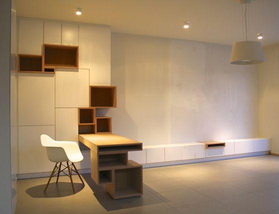 Filip Janssens,,, idee kelder: uitbreiden, kastenwand met bureau werkblad, logeerbed, hanggedeelte, spelen...