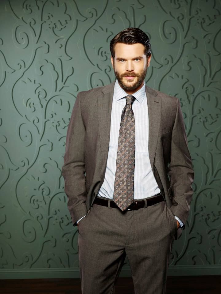 Charlie Weber as (Frank Delfino) in HTGAWM... Please excuse me while I obsess. Thanks again, Shonda!