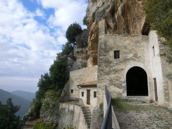 Another peaceful place where to rest my soul-Eremo di Santa Maria Giacobbe a Pale (Foligno, Umbria - Italy)