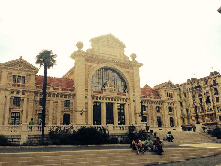193 best les gares images on pinterest train stations for Train paris salon de provence