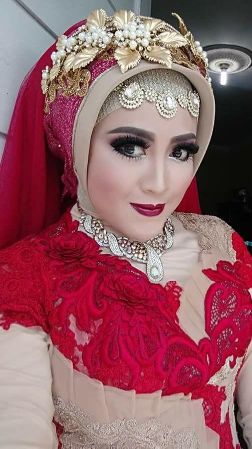 Muslim bride in red