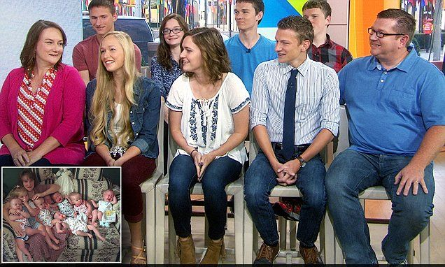 Record-breaking McCaughey septuplets turn 18 and prepare to graduate high school | Daily Mail Online