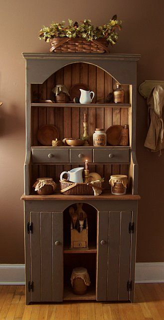 Think I'll paint my cupboard like this!