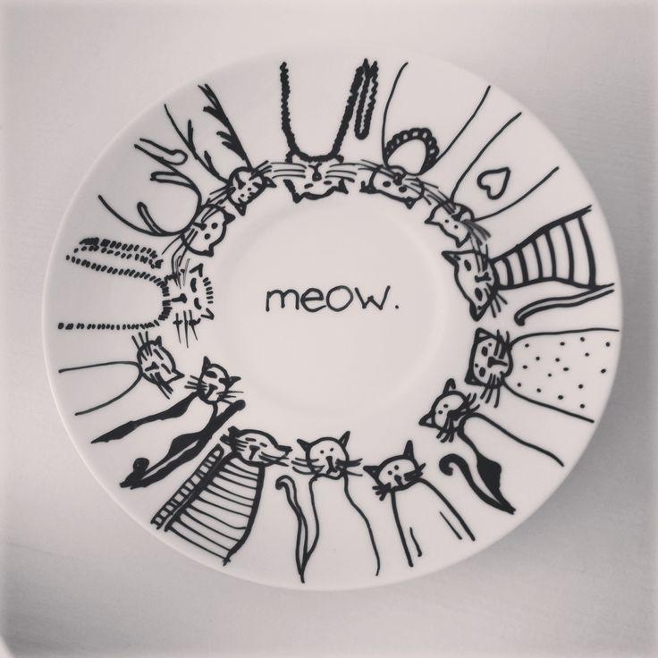 Painting on porcelain #cat