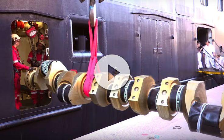 Cómo reemplazar y meter un cigüeña enorme por las estrechas puertas y pasillos de un barco de cruceros. No te pierdas este sorprendente vídeo y podrás verlo.