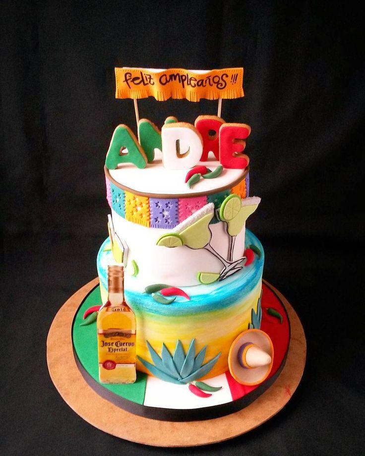La mexicaine #torta #pastel #gateau #cake #mexicana #mexico #mexican #fondant #tequila #agave #sunset #sombreromexicano #josecuervo #margarita #chiles #hot #spicy #shots #케이크 #birthdaycake #cumpleaños #cakeartist #cakedesign #art #fiesta #bff #festones #paisajeagavero #bestclientever #vivamexico by pams.patissiere March 31 2016 at 11:11AM