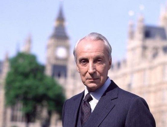 """Francis Urquhart: """"I couldn't possibly comment."""" #Villains #HouseOfCards"""