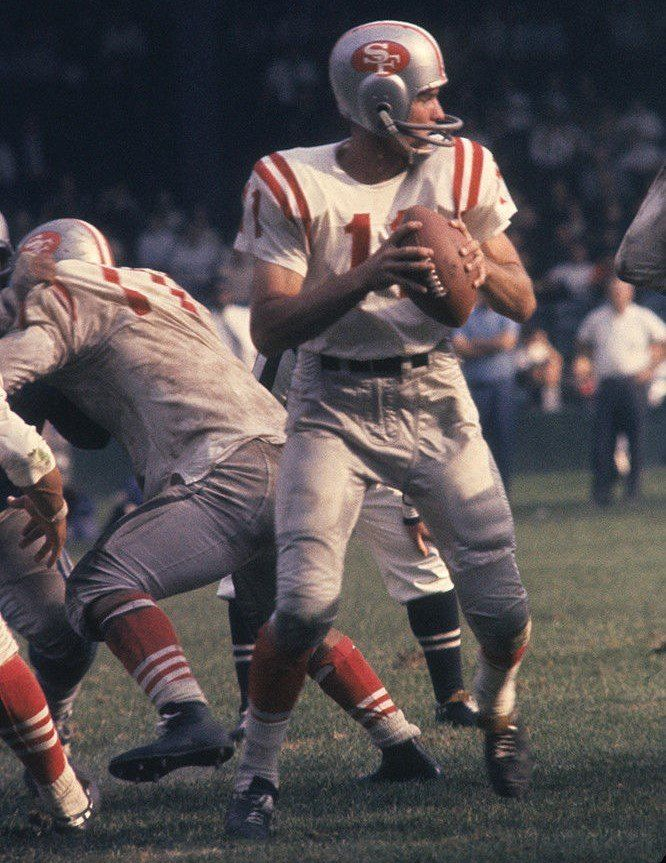 Sports action shots image by Chuck Weber | Nfl football players, 49ers players, Sf 49ers