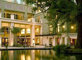 Hotel Contessa - Riverwalk Luxury Suites