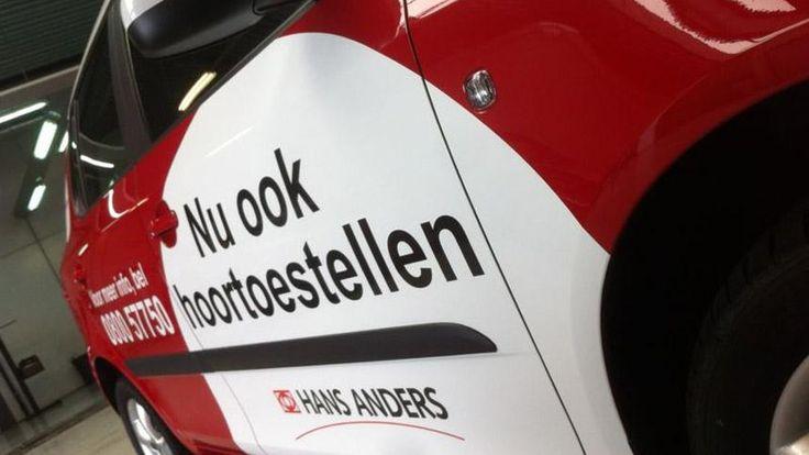 Belettering en gedeeltelijke carwrap bedrijfs auto's Hans Anders | Total Concept
