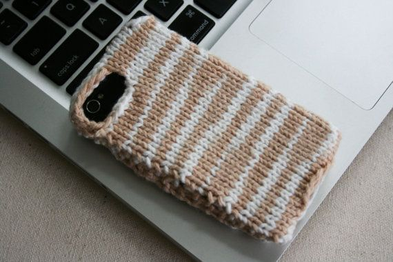 Fall Sample Sale: SAFARI camel and white hand knit phone case for iPhone 3G, iPhone 3GS, iPhone 4, iPhone 4S, only $5