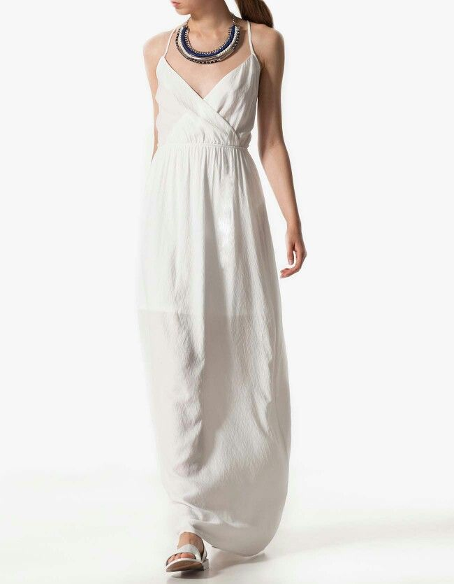 Vestidos blancos en stradivarius