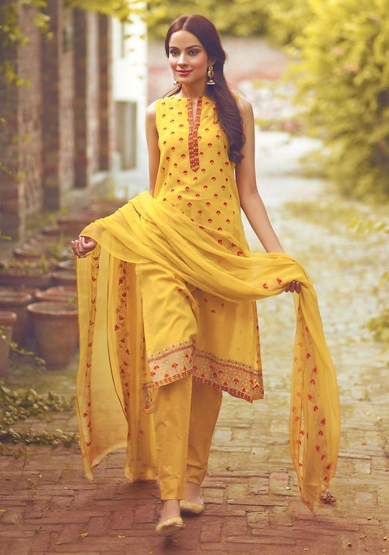 #Yellow #Fashion #Indian #Outfit Image credits