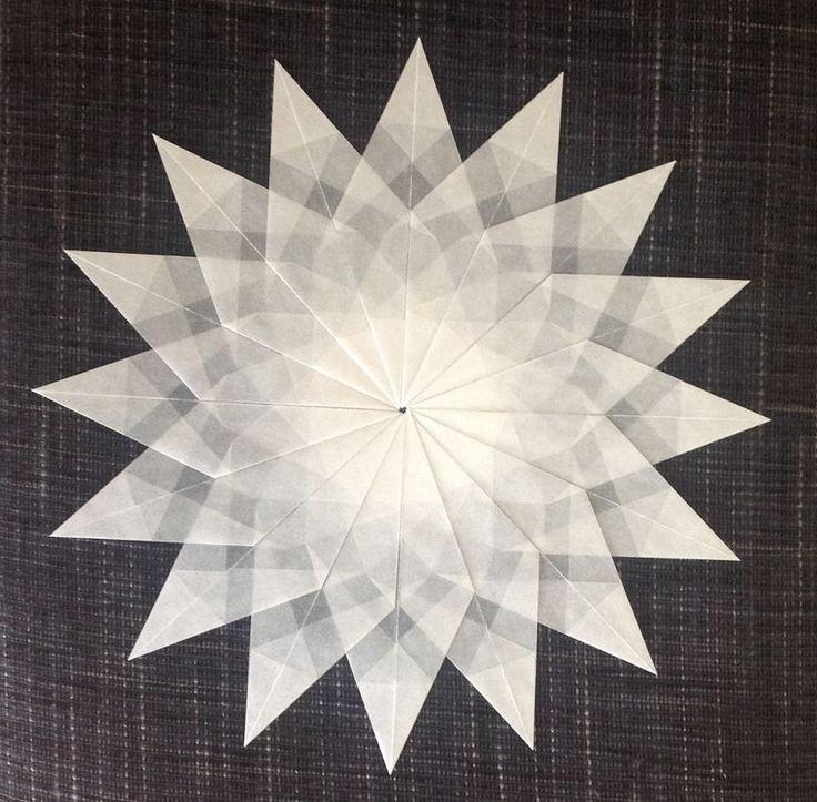 Weißer Stern - 16 Zacken
