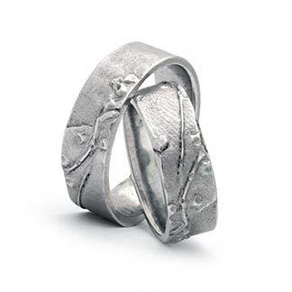 Trauringe 585 Weißgold mit Struktur Ringform: außen gerade, innen bombiert. Damenring, Herrenring: 7mm breit