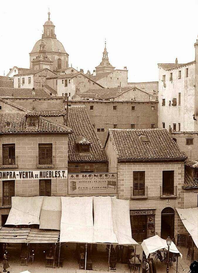Ribera de Curtidores  Iglesia de San Cayetano.