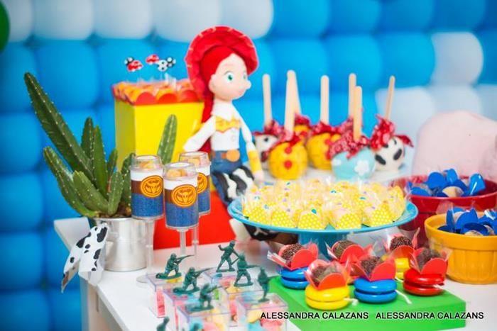 Idea de mesa de dulces cumpleaños Toy Story | Cumple Toy Story ...