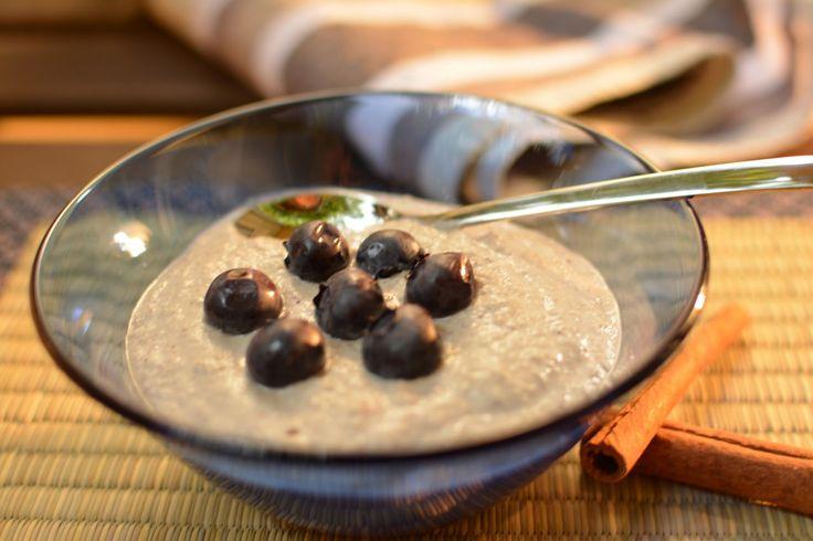 Paleo Frühstücksbrei - Keine Lust auf Eier zum Frühstück? Dann ist dieses Rezept genau das Richtige. Lecker und gesund aus Nüssen, Kokosmilch und Banane. http://www.paleolifestyle.de/rezept/paleo-frue
