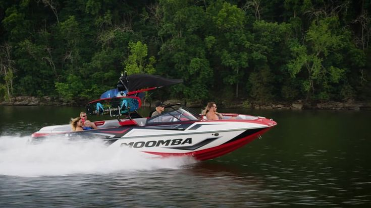 Moomba Mojo for sale is casting a spell on water sports families with pro wakeboard wakes, competition surf waves, magical handling and great rough water ride. #moombaboatsforsaleaustralia #moombaskiboats #moombaboatsaustralia #moombacrazforsale #moombamojoforsale #moombahelixforsale #moombaboataccessories #moombaboats #HelixBoats