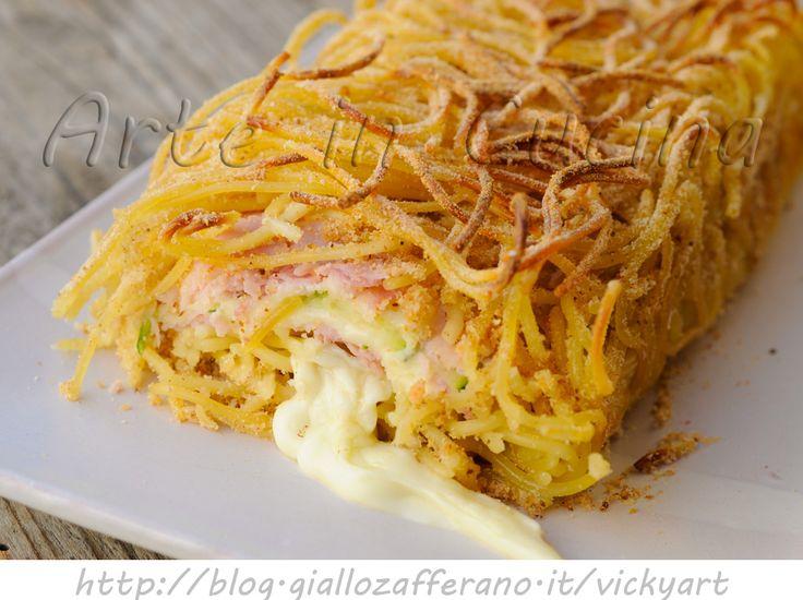 Rotolo di spaghetti ripieno polpettone di pasta facile veloce, ricetta primo piatto pranzo,piatto unico per la cena, pasta con zucchine, prosciutto e formaggio