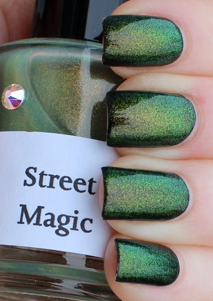 Girly Bits - Street Magic