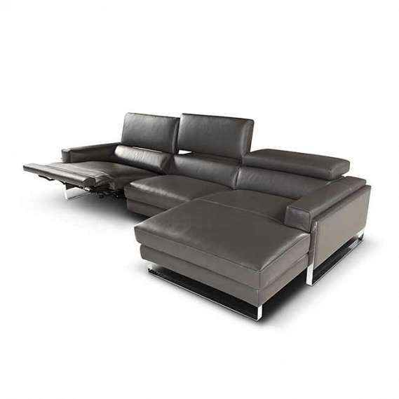 The Romeo Relax By Giuseppe And Giuseppe Shows Us That It Is Possible To Have Your Cake And Eat It Italian Leather Sofa Reclining Sectional Sectional