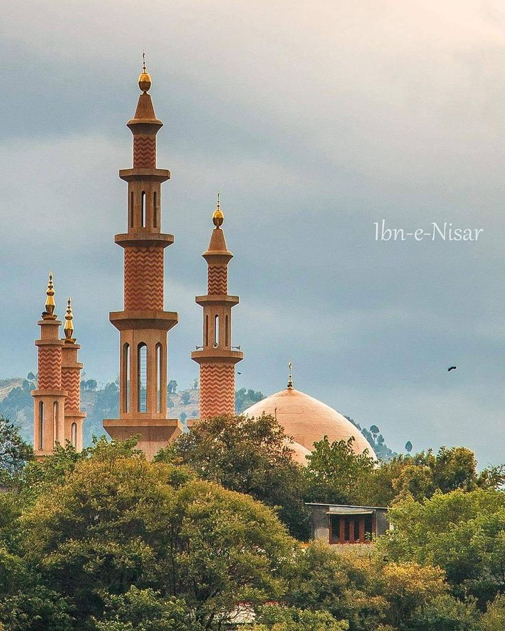 "1,112 Likes, 7 Comments - Dawn (@dawn_dot_com) on Instagram: ""Dawn Weekly Project: 'Minarets' Beautiful minarets of Eidgah, Muzaffarabad. Photo by @waleednisar…"""