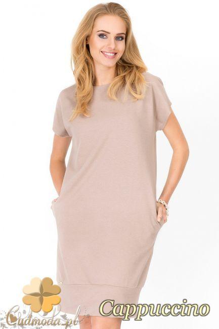 Dresowa sukienka z krótkim rękawem wyprodukowana przez firmę Makadamia.  #cudmoda #moda #styl #ubrania #odzież #sukienki #mini #clothes #dresses
