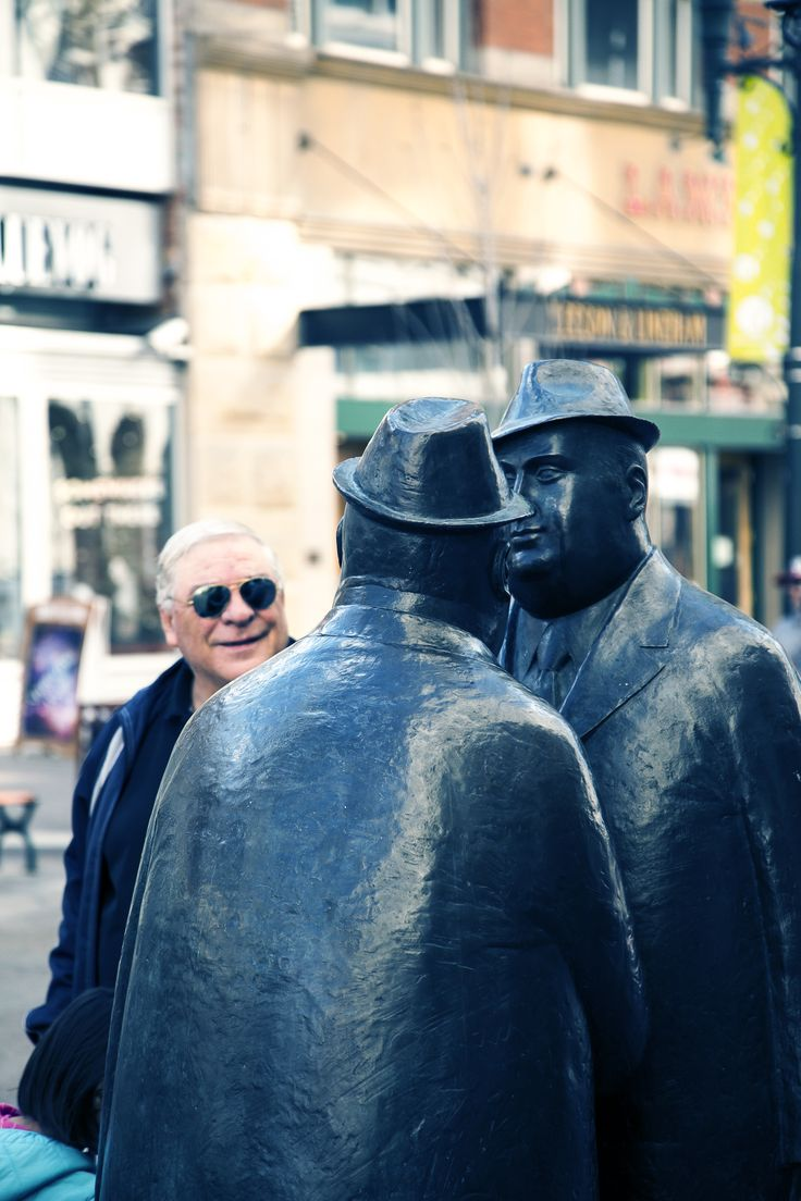 This much-loved Calgary statue is inspired by the wheeling and dealing bargaining merchants on Tonronto's Bay Street!