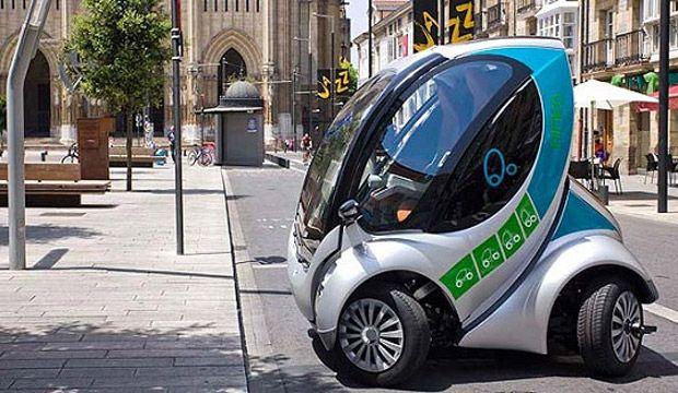 O carro dobrável Hiriko será vendido em 2013 - O projeto HIRIKO é um novo conceito de mobilidade urbana. Uma nova forma de compreender a relação entre a cidade, seus cidadãos e seus veículos. Tecnologicamente muito avançado o veículo que também é 100% elétrico foi concebido a partir da preocupação em oferecer soluções inovadoras para a mobilidade urbana, tornando as cidades mais sustentáveis, mais sociais e mais inteligentes.  O carro de dois lugares que já é bem compacto, pode dobrar-se ...