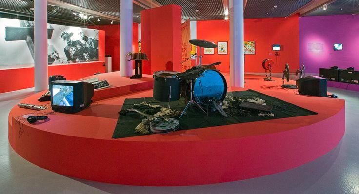 DAVID CROWLEY&DANIEL MUZYCZUK ON ART AND ALTERNATIVE MUSIC IN EASTERN EUROPE