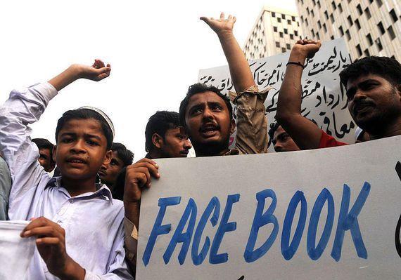 Facebookでムハンマドを冒涜、死刑判決--パキスタン - CNET Japan