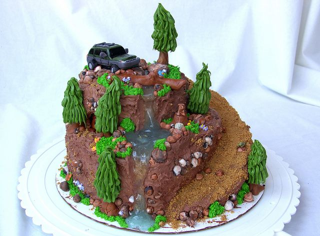24 best CAKE Crawlers images on Pinterest Jeep cake Jeep