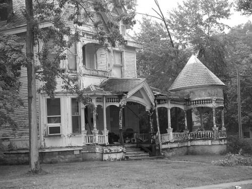 ,Old House, Indiana, Dreams House, Abandoned Beautiful, Porches, Abandoned Mansions, Abandoned House, Abandoned Places, Fixer Upper