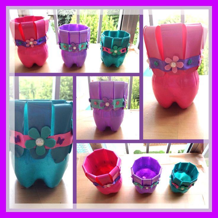 Macetas Macetero o Tiesto de botellas de plastico, decorado con cintas y pegatinas, muy colorido para tu terraza o jardin / By Luz Arias ...