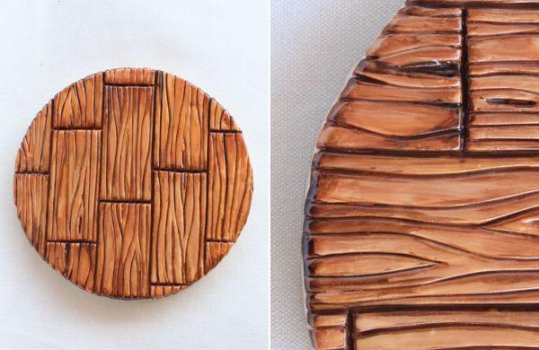 Tutorial: cómo hacer una textura de madera con fondant. Genial truco de repostería que nos cuenta marialunarillos  (@marialunarillos). #Fondant #Pastel #Reposteria