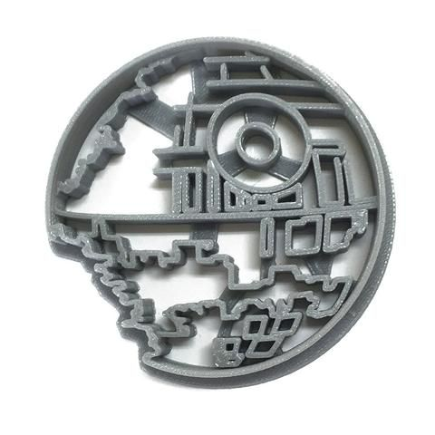 Make Cookies in celebration of Star Wars or in anticipation of Roge One with this Death Star cookie cutter! - 3D Printed to order - Dishwasher safe - Use lots of flour to reduce sticking in cookie dou