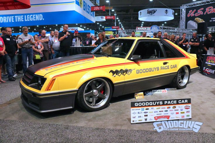 Have you heard about the new 1987-and-older policy? #Goodguys Rod and Custom Association unveiled their 1979 #Ford #Mustang Pace car to highlight the new 1987-and-older model policy effective 2018. This 'Stang is powered by an Aluminator V8 and rides on a full Roadster Shop Fast Track chassis, the #Forgeline #FlushLoc #Centerlock Conversion Kit, and center-locking 18x9.5/19x12 Forgeline #CF3C wheels finished with Matte Graphite centers & Brushed outers!