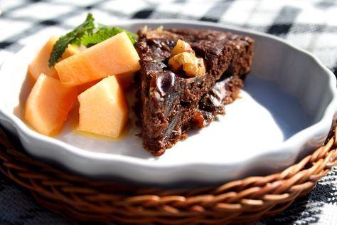 En underbar kaka med banan, choklad och valnötter.