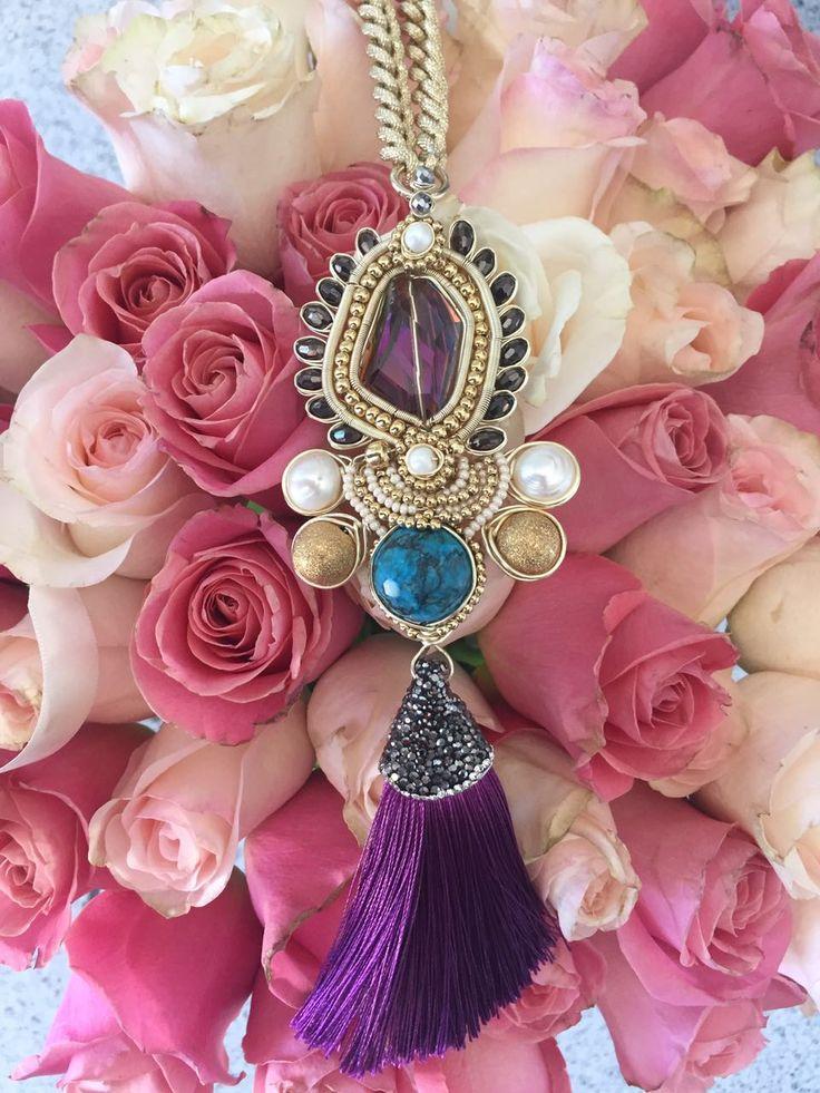 Collar hecho a mano con turquesa, perlas, seda y cristales en chapa de oro de 22k ✨ Compra mexicano, compra hecho a mano, compra Magenta