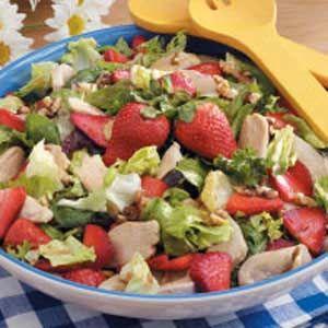 Recipe: Strawberry Green Salad with Chicken: Chicken Salad Taste, Strawberry Chicken Salads, Chicken Strawberry Salad, Strawberries, Strawberry Salads, Recipes Salads, Food Salads, Strawberry Salad Recipes, Chicken Salad Recipes